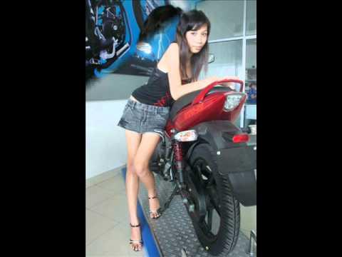 "MODEL  ""TIFFANY  AUDREY "" IN BALI  AUTO EXHIBITION 2007"