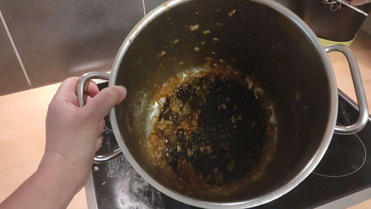 Nettoyage d'une casserole brûlée