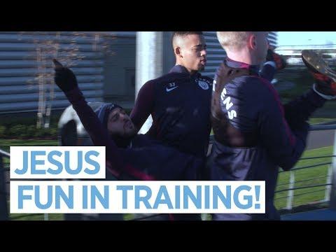 GABRIEL JESUS PRANKS BERNARDO! | Training