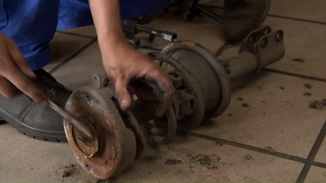 Przy wymianie amortyzatorów wyszły na jaw kolejne usterki! #Mechanicy