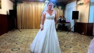 Танец невесты и подружек!)))