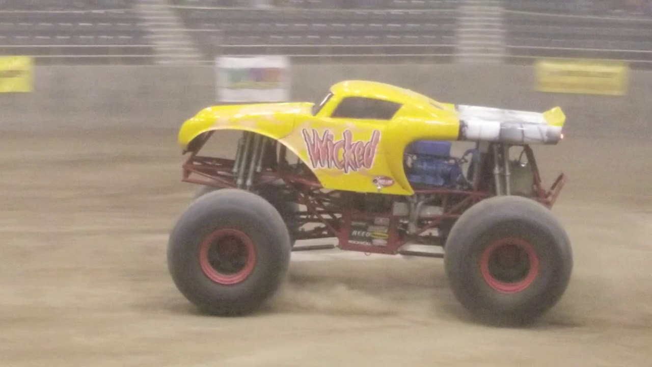 Monster Truck Freestyle Redmond Or 2018 Youtube