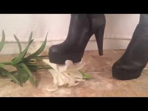 Crush lilly flower high heel boots
