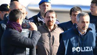 Après 37 ans de cavale, Cesare Battisti remis à la justice italienne