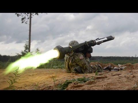 Tir de Missile Javelin Au Ralenti