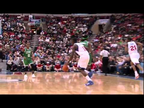 Thaddeus Young Left-Handed Tomahawk Dunk on the Fastbreak Against the Celtics in HD (Dec. 9, 2010)