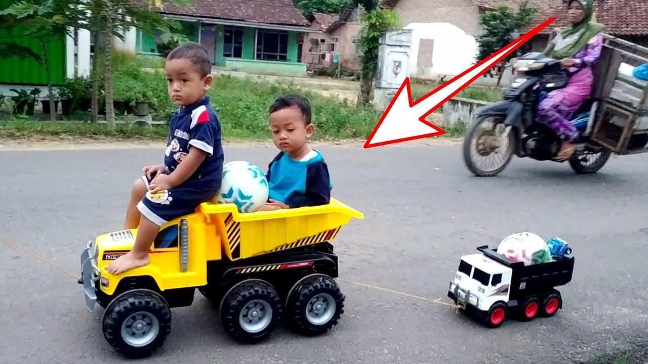 Main Mobil Truk Besar Yang Bisa Dinaiki 2 Orang Truk Besar Maianan Anak Youtube