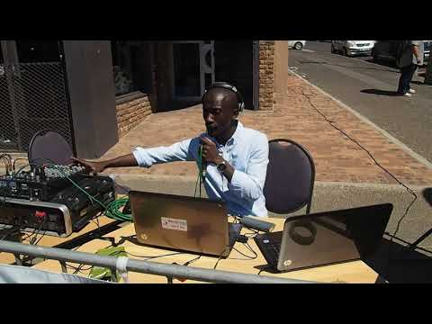 Cape Town Main Road Open Street: Bush Radio 89.5FM live broadcast