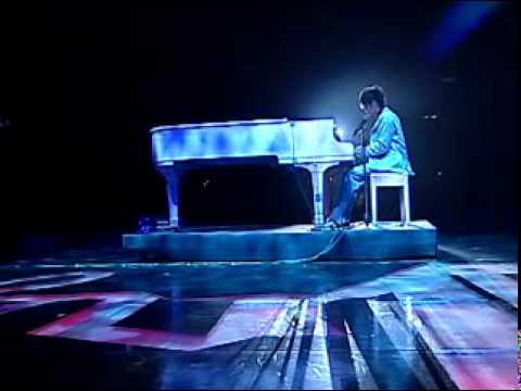 Jay Chou 周杰伦 - Jie Kou 借口(Excuse) -(HQ)2004 Incomparable Concert Live.flv