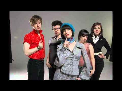 The Long Blondes - Who Are You To Her