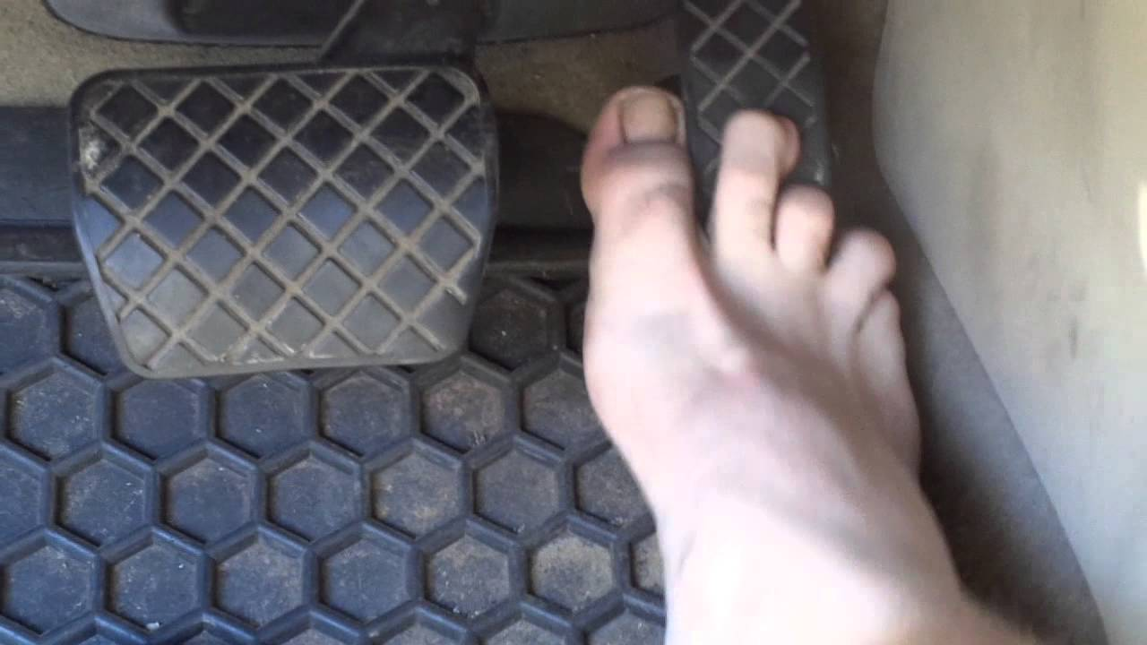 b8dc84ca56e6 Pedal Pumping in Adidas Adissage Supercloud slides barefoot in a 2004 VW  New Beetle.