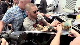 Video EXCLUSIVE:  Tom Hardy arrives at Nice airport for the Cannes festival download MP3, 3GP, MP4, WEBM, AVI, FLV Juni 2018