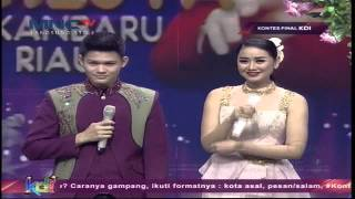 "Video Mahesya Feat. Selfie "" Bunga dan Kumbang "" Pekanbaru - Kontes Final KDI 2015 (29/5) download MP3, 3GP, MP4, WEBM, AVI, FLV Juli 2018"