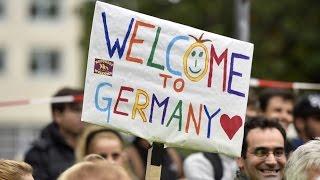 Зарубежная недвижимость. Беженцы в Европе. Вид на жительство.(Во сколько обходятся беженцы Европе. Инструкция, как получить вид на жительство в Греции и Португалии., 2015-11-05T05:48:00.000Z)