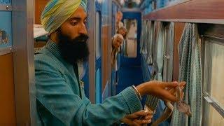 小伙带条眼镜蛇上火车,不小心让蛇了跑出来,幸亏列车长厉害