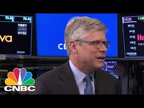 Qualcomm CEO Steve Mollenkopf On Legal Battle With Apple And iPhone Royalties | CNBC