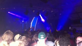 Addicted Kru sound (AKS) feat Lola live @ lowlands 2011