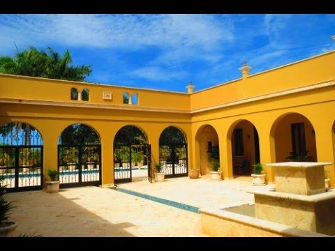 Karibische Luxus Villa mit 6 Schlafzimmern und Pool in exklusiver Villenanlage