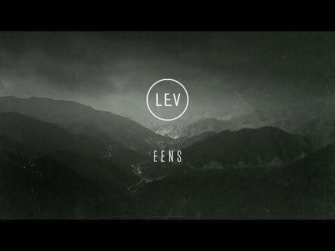 Eens | LEV