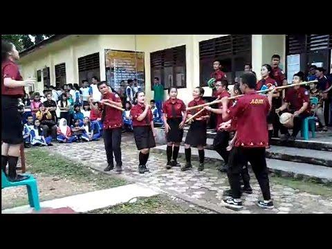 PADUAN SUARA MODIFIKASI SISWA XI ADM 1 SMK N.1 GUNUNGSITOLI 2016