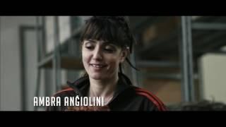 イタリア女性労働者VSフランス資本家 リストラ計画が進行する繊維工場。...