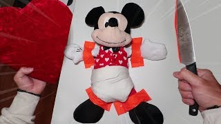 CUTTING OPEN CUPID MICKEY MOUSE ON VALENTINE'S DAY AT 3AM!! *SCARY*