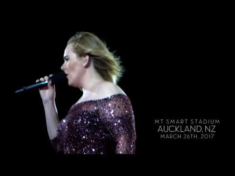 ADELE - HELLO in HD (Auckland 26.3.) in NZ