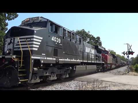 NS 4039 leads CN U705 on the CN Freeport Sub 9/10/17