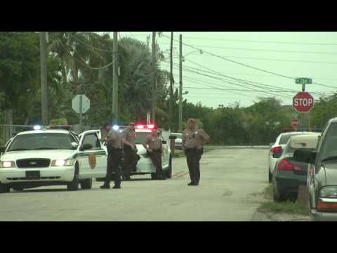 MIAMI DADE COPS JUMP-OUT ON PEOPLE ON 266 ST.