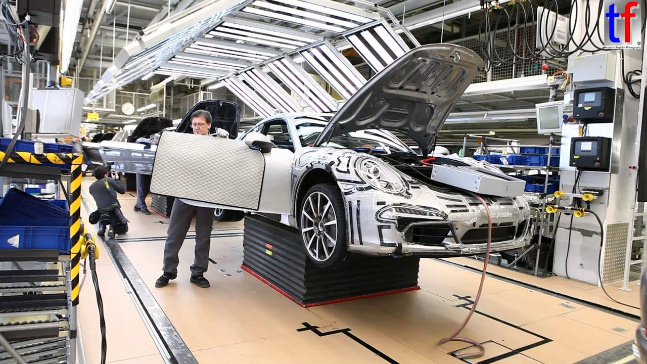 Porsche Factory Porsche 911 Carrera S On Production Line 2013 Youtube