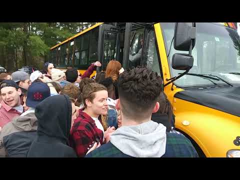 Crazy #UMassAmherst kids pushing and shoving just get on a bus at Spring Fest 2019 Part 1