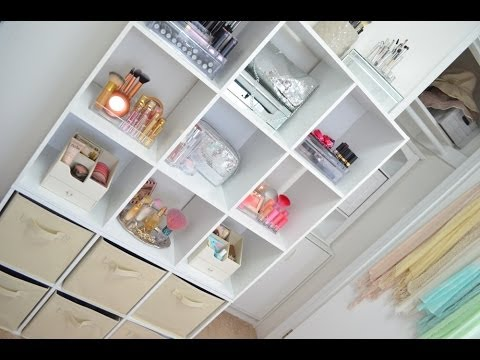 Organizing Cube Shelves