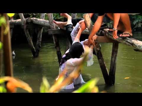 Phi Nhung ngã sông bị lộ hàng   YouTube