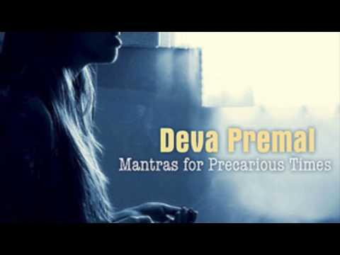 Deva Premal: Om Gum Ganapatayei Namaha (8:13)