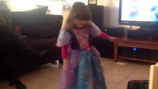 Mikayla doing her ballet.... Thumbnail