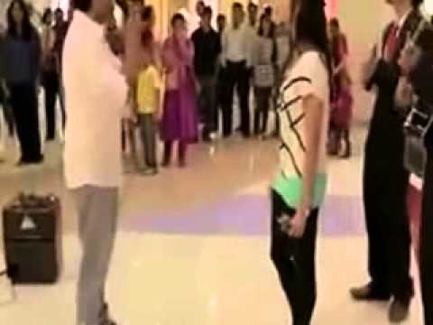 Indian Guy Marriage Proposal To His Girlfriend In Mall Gone Epic