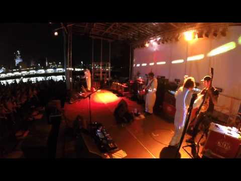 Super Furry Animals live at 4Knots Music Fest - NYC 2015