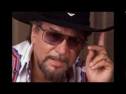Waylon Jennings - Don't You Think This Outlaw Bit's Done Got Out of Hand