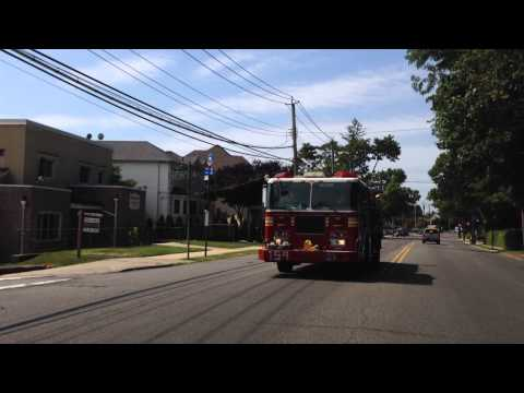FDNY ENGINE 159 CRUISING BACK TO QUARTERS IN STATEN ISLAND, NEW YORK CITY.