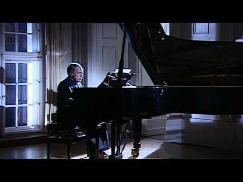 Pierre Boulez plays Douze Notations: I. Fantasque – Modéré