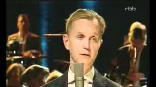 """Max Raabe """"Ich Bin Nur Wegen Dir Hier"""" live bei Harald Schmidt.avi"""