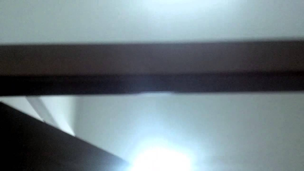 Plafoniere Con Lampada Di Emergenza : Installazione di lampade demergenza a led youtube
