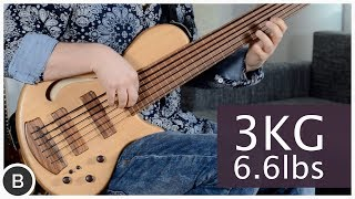 THIS 6-STRING FRETLESS BASS WEIGHS ONLY 3 KILOS!