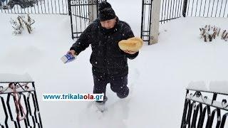 Τρίκαλα φούρναρης διανέμει ψωμί γάλα με 40 πόντους χιόνι Τετάρτη 11-1-2017