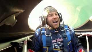 Evan Longoria flies with aerobatic pilot Kirby Chambliss