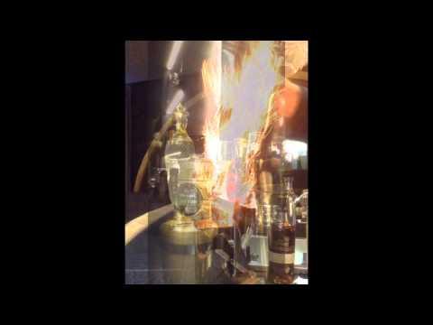 Cooper's Cup Cocktail. Domaine De Canton French Liqueur