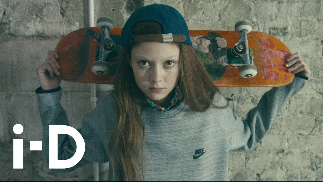 15a88bec781 Natalie Westling s Supermodel Skateboarding Tips - YouTube