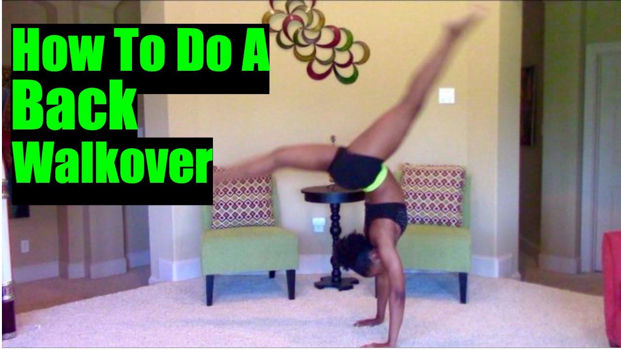 Adolescente bailarina haciendo back walkover   Foto Gratis