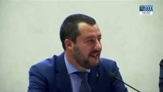 Migranti: lite a Vienna tra Salvini e ministro Lussemburgo. Sbarchi continuano