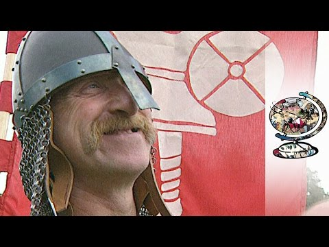 The Eccentric Enthusiasts Recreating Britain's Famous Battles (2001) |